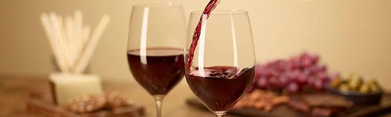 Top Holiday Wine Buys & Pairings
